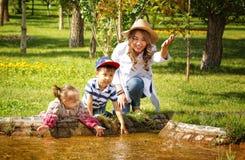 Kazakhmoder med barn Royaltyfri Foto