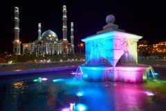 kazakhstan för astana avenyhuvudcentral cityscape sommar 2010 Astana är huvudstaden av Kasakhstan royaltyfria foton