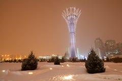 kazakhstan för astana avenyhuvudcentral cityscape sommar 2010 Astana är huvudstaden av Kasakhstan royaltyfri bild
