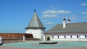 kazan Κρεμλίνο Νότια οικοδόμηση του δικαστηρίου πυροβολικού Στοκ Εικόνες