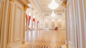 KAZAN, ΡΩΣΙΑ - 30 ΜΑΡΤΊΟΥ 2018: , Δημαρχείο - αίθουσα χορού πολυτέλειας - που προετοιμάζεται για το ιστορικό κόμμα χορού Στοκ Εικόνα