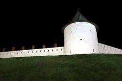 Kazan het Kremlin bij nacht stock afbeeldingen