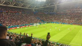 KAZAN, RÚSSIA - 20 de junho de 2018: Irã-Espanha do fósforo do campeonato do mundo 2018 de FIFA - estádio da arena de Kazan - - p video estoque
