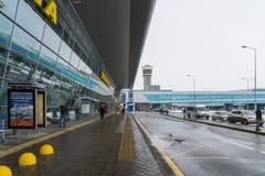 Kazan, Rússia - 25 de março 2017 Tipo terminal 1A fora do aeroporto Imagem de Stock