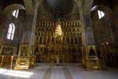 Kazan, Rússia, o 9 de fevereiro de 2017, ícones dentro da igreja no monastério de Zilant - a construção ortodoxo a mais velha Imagem de Stock