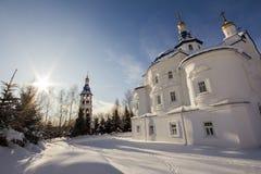 Kazan, Rússia, o 9 de fevereiro de 2017, monastério de Zilant - a construção ortodoxo a mais velha na cidade - o pátio para monge Foto de Stock Royalty Free