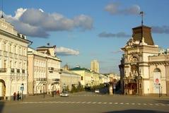 KAZAN, REPUBLIEK TATARSTAN, RUSLAND - mag, 2014: De straten van t Stock Afbeelding