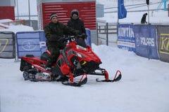 KAZAN ROSJA, GRUDZIEŃ, - 23, 2017: Otwarcie zima sezon w Kazan pierścionku jarze wystawa, presentat - Uwalnia otwartego auto prze zdjęcie stock