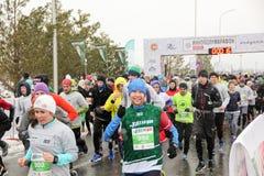 KAZAN, ROSJA - 23, 2017: maratonów biegacze przy początkiem Kazan M Zdjęcie Stock