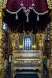 Kazan, Rusland - breng 26 in de war 2017 De Overblijfselen van Heilige Guria in Kathedraal van Aankondiging in het Kremlin stock foto's
