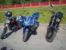 KAZAN, RUSSIE - 19 MAI 2012 : L'exposition en plein air de vélo dans la ville est une exposition des sports et des motos classiqu Images libres de droits