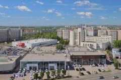 Kazan, Tatarstan, Russia - 21 giugno 2018: Saloni dell'automobile e città Fotografia Stock