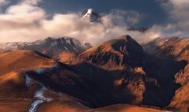 Kazbek山秋天视图在乔治亚 免版税图库摄影