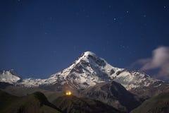 Kazbek alla notte Fotografia Stock