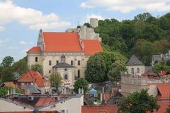 Kazimierz Dolny door de rivier van tnevistula, Polen Royalty-vrije Stock Foto