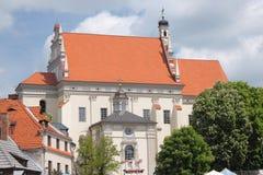 Kazimierz Dolny door de rivier van tnevistula, Polen Royalty-vrije Stock Afbeelding