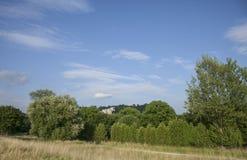 Kazimierz Dolny, Polonia - nel cielo blu di woods/a Fotografie Stock Libere da Diritti