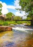 Kbal Chhay vattenfall som lokaliseras i Khan Prey Nup omkring 16 kilometer nord av den i stadens centrum Sihanoukvillen arkivbilder