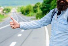 Kciuka up znaka nie praca w wiele częściach świat Ręka kciuka gesta próby up przerwy samochodowy drogowy tło Kciuk lub ręka Obrazy Stock