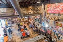 KDS stång-B-q, central landsdel, Texas, April 2015: grilla restaurangen (BBQ) i centrala landsdelen, Texas som är berömd för den, Arkivbild