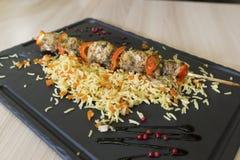 Kebab и рис цыпленка shish с овощами Стоковые Фото