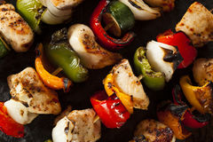 Kebab casalinghi del pollo Immagine Stock