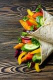 Kebab con le verdure ed il pollo Immagine Stock