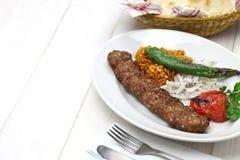 Kebab de Adana, comida turca foto de archivo