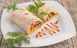 Kebab del aperitivo con la salsa de tomate Fotografía de archivo