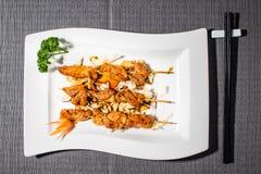 Kebab del pollo marinati in salsa di tamari fotografia stock libera da diritti