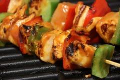 Kebab del pollo sulla griglia Fotografie Stock Libere da Diritti