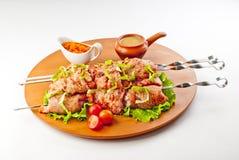 Kebab dello shish di Chiken nel sause del pomodoro Fotografia Stock