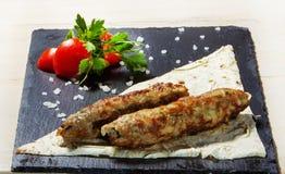 Kebab di Lula e tortiglia del pane fotografia stock