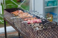 Kebab en los pinchos Fotografía de archivo libre de regalías