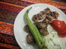 Kebab en vleesballetjes Stock Afbeeldingen