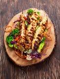 Kebab för filet för stekhöna på bambupinnar Fotografering för Bildbyråer