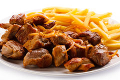 Kebab, Pommes-Frites und Gemüse Lizenzfreies Stockfoto