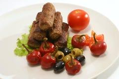 Kebab roule avec le poivre d'olives photographie stock libre de droits
