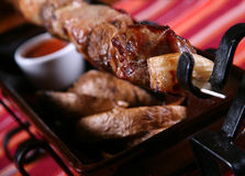 Kebab und Kartoffel lizenzfreie stockbilder
