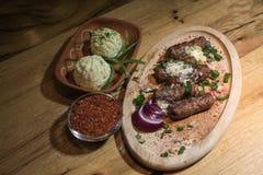 Kebabs - зажаренное мясо Стоковые Фотографии RF