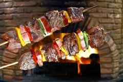Kebabs - asados a la parrilla foto de archivo