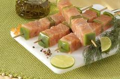 Kebabs de color salmón Imágenes de archivo libres de regalías