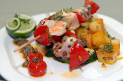 Kebabs de Shish des fruits de mer photographie stock