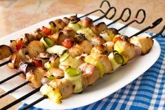 Kebabs op vleespennen Royalty-vrije Stock Afbeelding