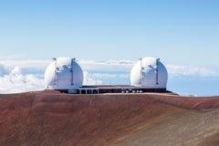 Keck I och Keck II teleskop på Mauna Kea, Hawaii Royaltyfria Bilder