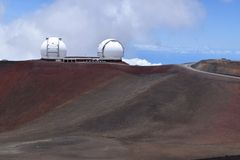 Keck obserwatorium blisko szczytu Mauna Kea, Duża wyspa Hawaje zdjęcie stock