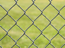 Kedja anknyter staket Arkivbilder