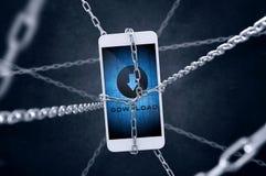 Kedjad fast smartphone med nedladdningsymbol Fotografering för Bildbyråer