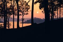 kedjan räknar yttersida USA för solnedgången för skyen för fotografi för horisontalillinois lakelakes ljus o orange arkivbild