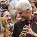 Keene, NH - 2016年10月17日:前U S 比尔・克林顿总统代表他的妻子民主党总统被提名人H竞选 免版税库存图片